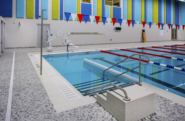 Applying universal design to aquatic environments for Pool design education